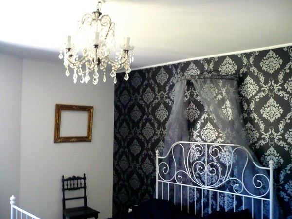 Chambre baroque baroque style bedroom furniture glace salle de bain castorama deco chambre for Deco salon baroque moderne